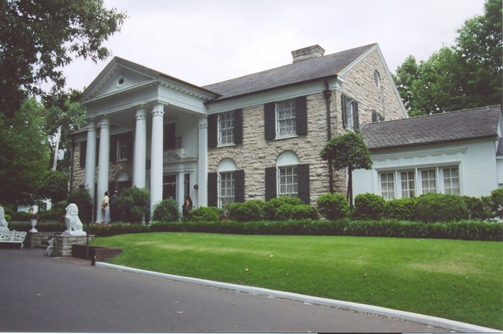 The right-side of Graceland. Photo from Wikipedia.