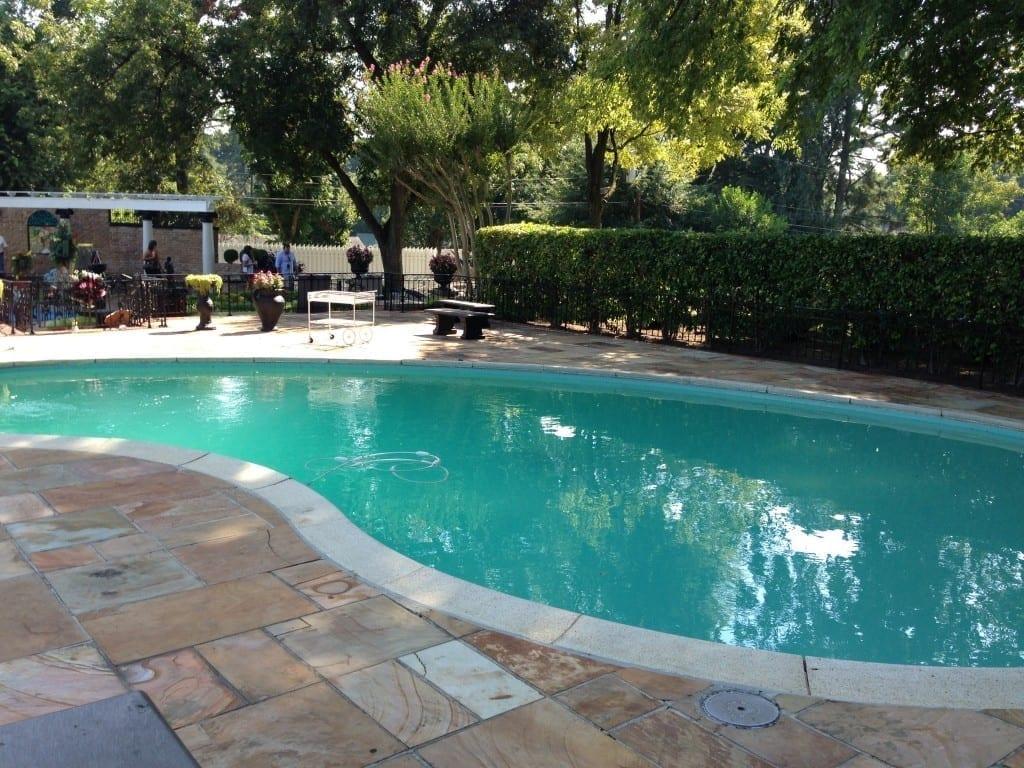 pool graceland