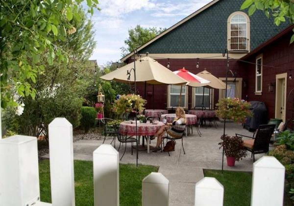 Fat Duck Inn - A must stay Walla Walla Bed and Breakfast