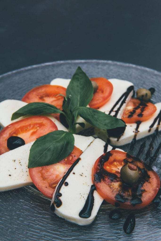 Caprese Salad, Salad Wine Pairing